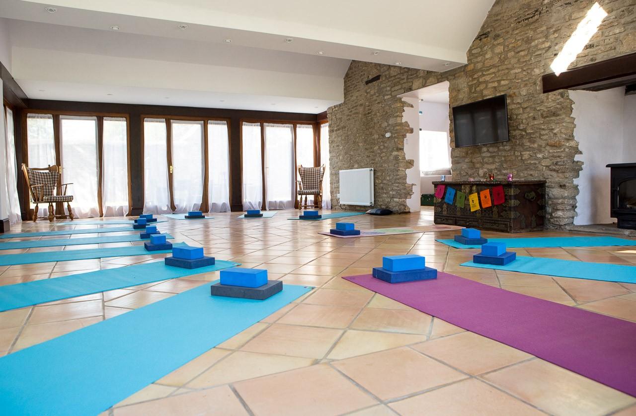 Autumn Restore Yoga Retreat Thrupp, Oxfordshire